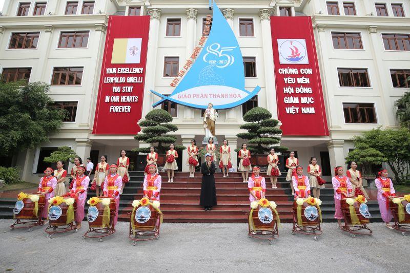 Gp Thanh Hóa hân hoan chào đón HĐGMVN về tham dự hội nghị thường niên kỳ II – 2017