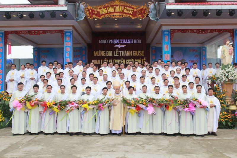 Giáo phận Thanh Hóa: Mừng đại lễ thánh Giuse Quan Thầy Giáo phận - Truyền chức Phó Tế
