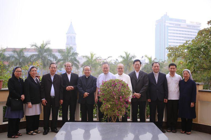 Thánh lễ tạ ơn của Đức Tổng Giuse Nguyễn Chí Linh trước khi lên đường nhận nhiệm sở mới